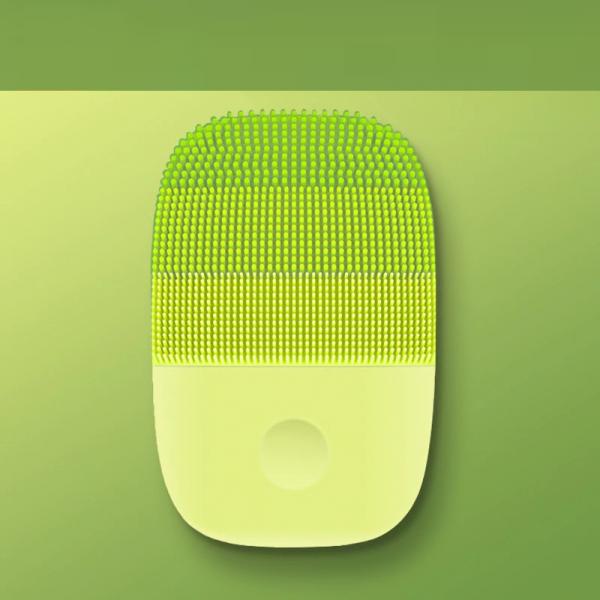 brosse-de-nettoyage-du-visage-verte